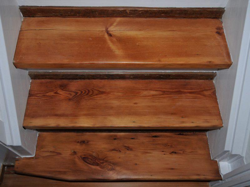 Alte Holztreppe geschliffen und versiegelt