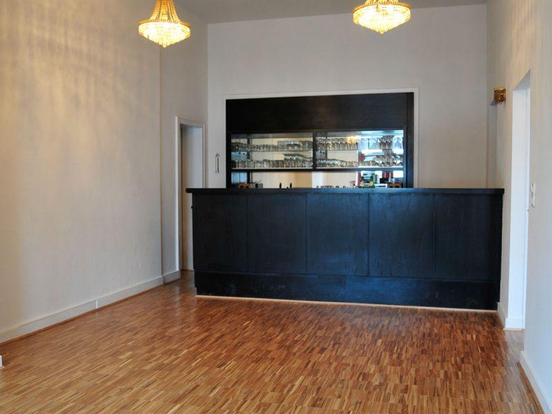 Mosaikparkett Brauneiche Parallelverband im Foyer eines Theaters